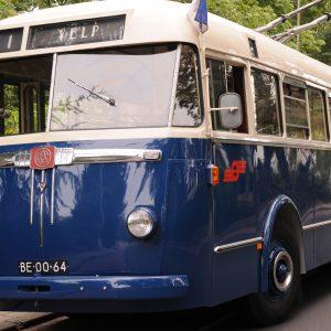 mobiel stembureau gemeenteraadsverkiezingen 2018 arnhem trolleybus