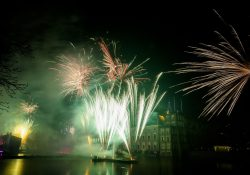 Vuurwerkshow oudejaarsavond, Hofvijver Den Haag. Foto ANP