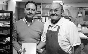 Hans Hessing met zijn zoon Stefan in de bakkerij