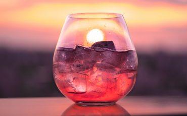 Gin & Tonic. Foto: Casper Aprikatis, Unsplash