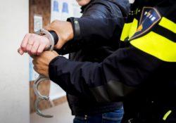 politie arrestatie aanhouding handboeien
