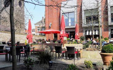 Verborgen terrassen in Enschede café extrablatt