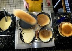 Pannenkoeken eten goed doel Gouda