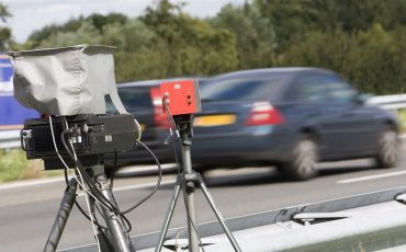 Mobiele flitscontrole flitsers snelweg