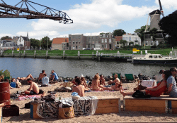 goudasfalt-strand stadsstrand strandpaviljoen Gouda