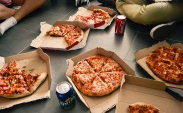 pizzadoos bij papier