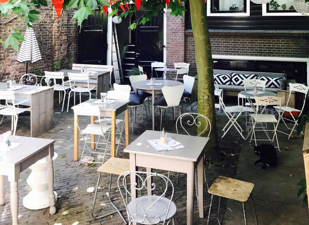 Even goed zoeken 5 verborgen terrassen in nijmegen indebuurt nijmegen - De scandinavische cocktail ...