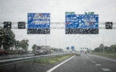 Regen snelweg