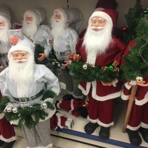 Kerstmannen bij Action Woerden