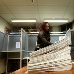 Stemhokje stembiljetten gemeenteraadsverkiezingen