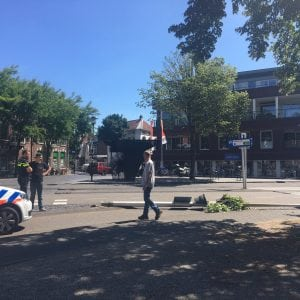 Lantaarnpaal omver in Woerden op Westdam