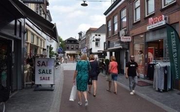 Binnenstad winkelen Kruisstraat Kerkplein Woerden