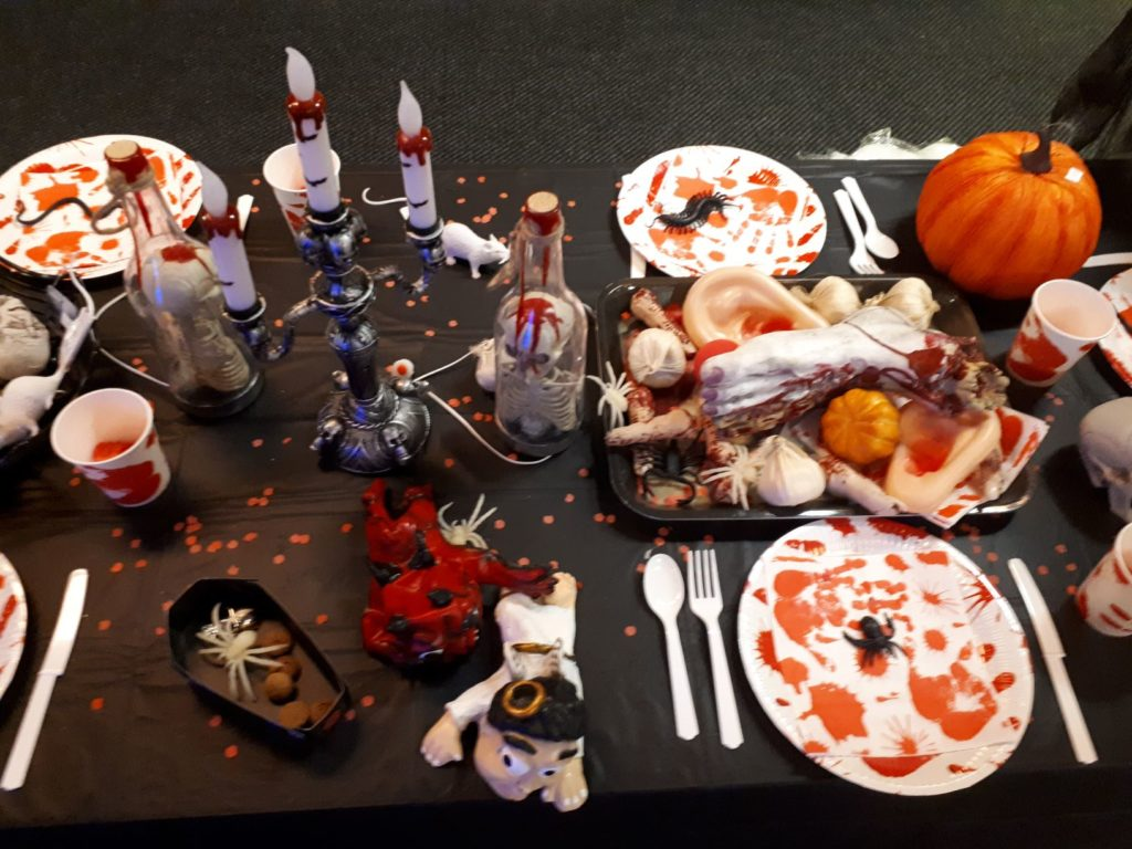 Met deze 6x halloween decoratie versier je thuis in een horrorhuis